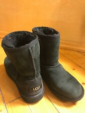 Ugg Classic Boot for Kids -- Black Size 3