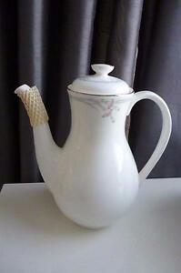 Discontinued Royal Doulton Carnation H5084 patterned Coffee Pot - Pristine