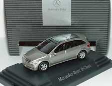 1:87 Mercedes-Benz R-Klasse W251 cubanitsilber silber - Dealer-Edition - Busch