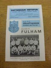 11/02/1967 Tottenham Hotspur v Fulham (piccolo segno di penna su copertina). articolo appare T