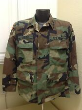 """MILITARY WOODLAND CAMO JACKET w/ PATCHES & NAME TAG """"PINTO"""" SIZE SMALL"""