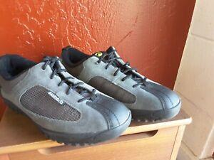 Shimano SH-MT20D men's cycling shoe, gray/black, size 42. 8.5. New