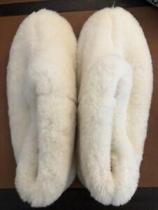 """VTG Drapper Of Glastonberry Handmade Sheepskin Slippers NWOT - 10.75"""" Sole"""