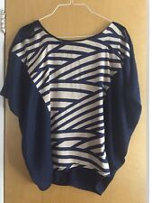 Sugar Lips Navy   Abstract Pattern Blouse  Top Size Small