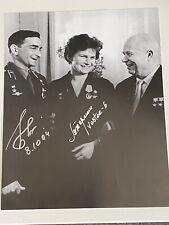 More details for valery bykovsky & valentina tereshkova double signed autograph photo - no coa
