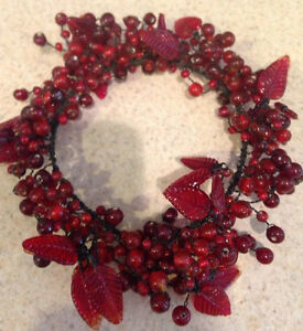 POTTERY BARN RED PEPPER BERRY GLASS CANDLE PILLAR RING New