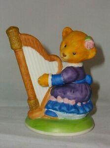 "A FRANKLIN MINT FINE PORCELAIN TEDDY BEAR 🐻 FIGURINE ""HONEY QUAVER"""