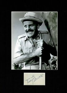 """TERRY THOMAS """"ABSOLUTE SHOWER""""  GREAT AUTHENTIC SIGNED 2AUTOGRAPH  DISPLAY UACC"""