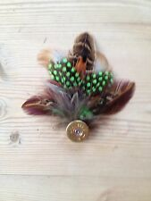 QUALITY HAND-CRAFTED FEATHER SHOOTING PIN/BROOCH.COUNTRY WEAR/OUTDOOR /HATS