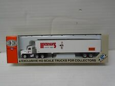 "Ho Scale ConCor 0004-001096 Tractor w/48 Trailer ""Hickman's Ranch Eggs"""