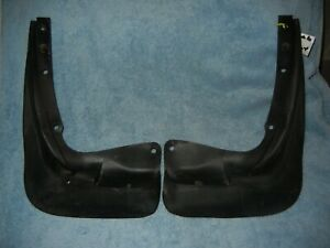 SAAB NG 900 9-3 Right And Left Front Fender Mud Flaps 4335709 4335691