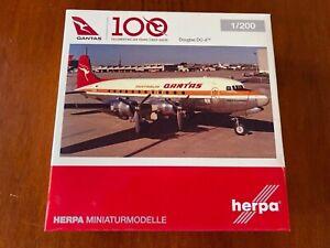 "1/200 HERPA 570855 QANTAS DOUGLAS DC-4 REG. VH-EDA ""PACIFIC TRADER"" DIECAST"