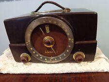 Vintage Zenith K Series Model Walnut H725 Bakelite AM & FM Tube Radio