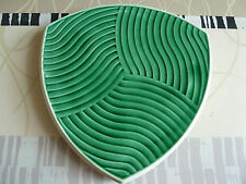 Ancien Dessous de plat en barbotine de SARREGUEMINES faïence numéroté