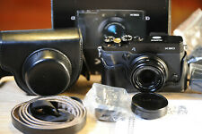 Fujifilm X series X30 + LUXARY LEATHER CASE+32 GB MEMORY - AS NEW CONDITION!