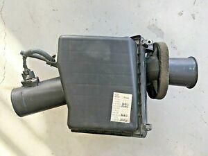 2004-2006 AIR CLEANER ASSEMBLY 5.6L NISSAN Armada / Titan OEM