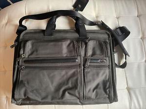 Tumi Alpha 2 Deluxe Portfolio Laptop Briefcase Ballistic Nylon Gray 6 Zippers