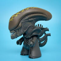 Exclusive Loot Crate Alien vs Predator XENOMORPH Alien Vinyl Figure | Free S&H !