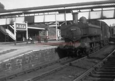 PHOTO  GWR 6426 ON AN AUTO TRAIN WORKING AT RISCA RAILWAY STATION IN 1958
