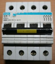 HAGER N°28 U (25A) 380 V  M 925 01 6000 8000 NFC 63-120 P1