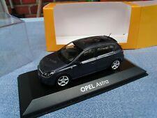 Minichamps Opel Astra H, 4 türig , Bj. 2006, dunkelgrau,Dealer Box, M.1:43 OVP