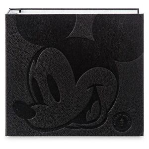 Disney Mickey Mouse Memories Pin Collector Album Book with & Exclusive Pin -UK!