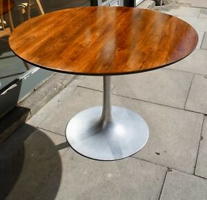 Vintage Arkana 1970s  tulip based, rosewood veneer round dining table