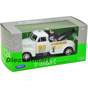 """1953 CHEVROLET 3800 TOW TRUCK WHITE """"ROAD SERVICE"""" 1:24 BY WELLY 22086 DIECAST"""