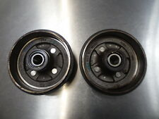 8207 A5 2009-2015 SUZUKI ALTO 1.0 PETROL REAR DRUMS SET COMPLETE WITH BEARING.
