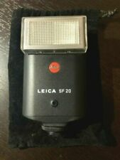 LEICA SF 20 FLASH WITH CASE, DIFFUSER & MANUAL, NEW DISPLAY MODEL WITH A PROBLEM