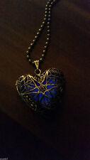 Unisex Modeschmuck-Halsketten & -Anhänger aus Bronze mit Herz-Schliffform