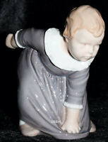"BING&GRONDAHL / ROYAL COPENHAGEN FIGUR #1995  ""LITTLE GIRL IN DRESS"" TOP 1. WAHL"