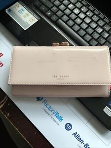 NWD TED BAKER Felicee Matinee Patent Leather Wallet Clutch $149.00