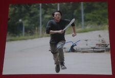 STEVEN YEUN SIGNED WALKING DEAD RUNNING WITH MACHETE 8X10 PHOTO AUTOGRAPH COA
