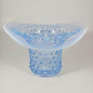 """vtg DUNCAN & MILLER 5.5"""" Light Blue Opalescent Hobnail Glass Top Hat Vase"""