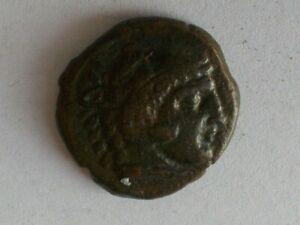 ANCIENT GREEK BRONZE COIN (UNIDENTIFIED)
