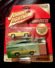 🏁 JOHNNY LIGHTNING 1965 CHEVY CORVETTE CONVERTIBLE w/PRO COLLECTOR TIN SET 🏁