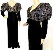 70'S BAROQUE CHIC EMBROIDERED RENAISSANCE STYLE BLACK VELVET DRESS GOWN S/M