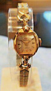 Waltham Vintage Ladies Hand Winding Wristwatch