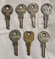 Lot Of 7 Vintage Gas And Fuel Keys Made By Briggs And Stratton  (K10)