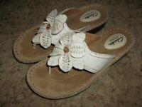 "Nice CLARKS Artisan White Leather Sandals Flip Flops Size 7 1/2"""