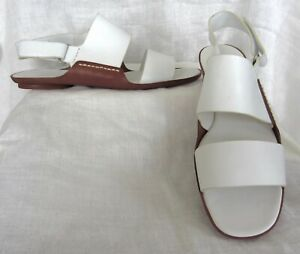 VINCE White Leather Strappy Flat Sandal Shoes NEW Size 9.5