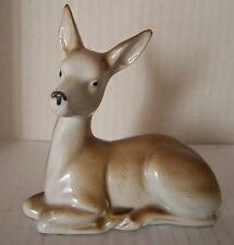 Porzellan Figur Skulptur liegendes Reh Ricke gemarkt 3779