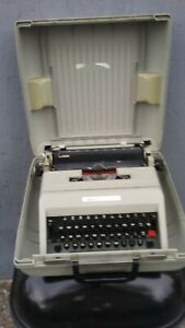 VINTAGE OLIVETTI OF SPAIN STUDIO 45 GRAY TYPEWRITER WITH CASE CIRCA 1970