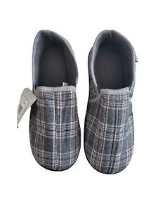 Muk Luks Charcoal Gray Plaid House Slippers Size M 10-11