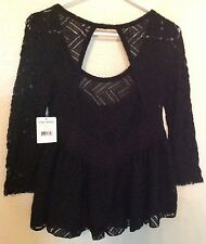 """NWT   """"FREE PEOPLE""""    Black Crocheted Lace Top/Sweater    Sz XS   Nice"""