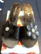 NEW Ladies Size 8M Black Jewelled Floral TWO LIPS Wedge Slides