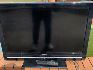 """Sharp LCD TV 32"""" LC-32SH130K with stand and remote fully working"""
