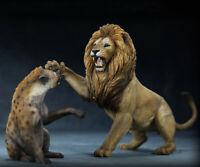 Nanmu Animal Statue Thundering Rage 1/12 Model African lion VS Spotted hyena Toy