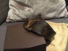 ORIGINALE Louis Vuitton Marrone Monogramma Cintura Taglia 80/32 in LV40 in scatola con PANNO!!!
